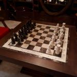 Мраморная шахматная доска из мрамора с мраморными шахматами