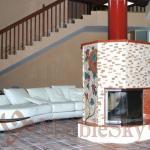 Мраморный камин с мозаичным панно в стиле флорентийской мозаики