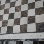 Мраморная шахматная доска с буквами и цифрами