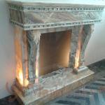 Каминный портал из натурального камня - Оникса, с подсветкой