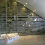 Мармурові стіни та підлога