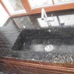 Кухонная мойка из природного камня - мрамора